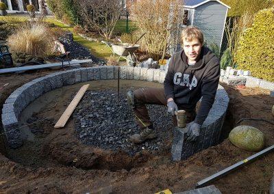 Gartengestaltung mit Naturstein- und Pflanzarbeiten
